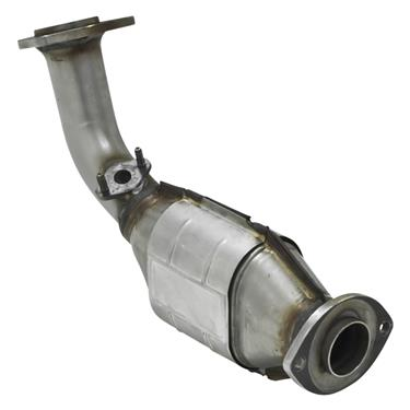 2000-2004 Toyota Tundra Catalytic Converter - Direct Fit - 2.25 in Inlet/Outlet - Front - 49 State