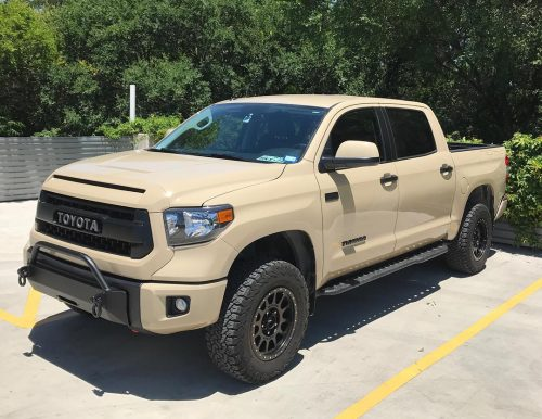 Southern Style Off-Road Tundra Slimline Hybrid w/Heise 30 in. LED Front Bumper; 2014+